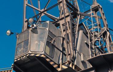 Podnośnik koszowy – prace na dachu