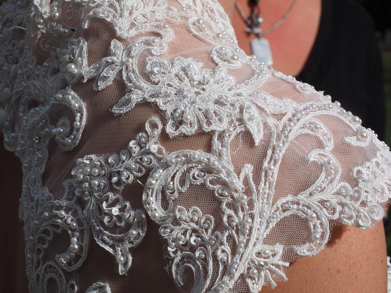 Kolorystyka sukni ślubnej