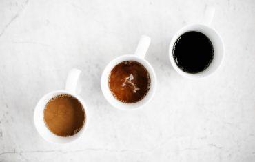 Jak smakuje kawa świeżo palona zmielona bezpośrednio przed zaparzeniem