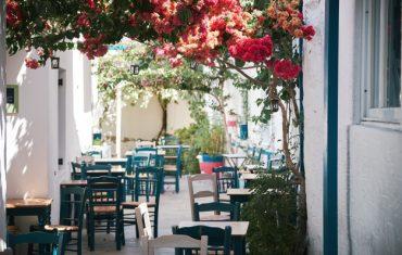 Restauracja z ogródkiem w Warszawie – gdzie zjeść